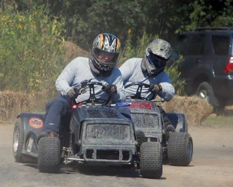 Norwood lawnmower races.jpg