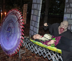 Norwood-Creatures-of-the-Night-chainsaw3.png