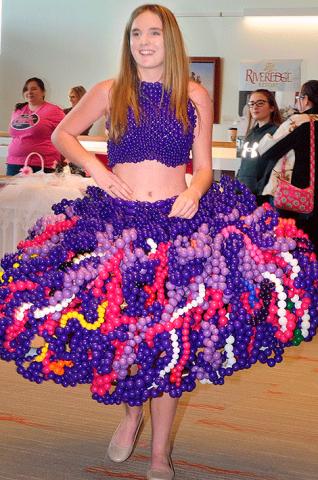 Balloon-dress.png