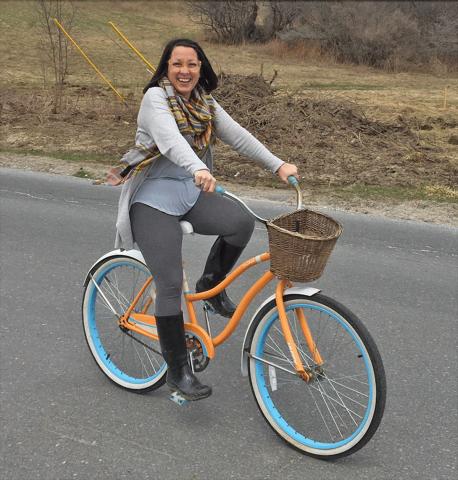 Gouverneur-biking.png