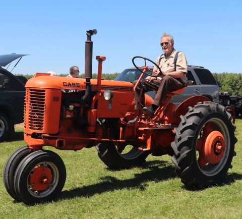 Madrid-tractor-Case-2.png