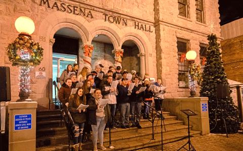 Massena-tree-lighting-town-hall-1-a.png