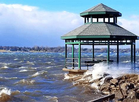 Ogdensburg-SL-River-high-wind.png