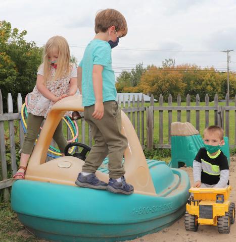 Potsdam-Kinder-Academy-playground.png