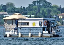 Ogdensburg-houseboat.png